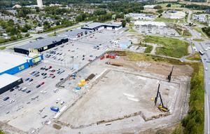 Det byggs på Boglundängen i Örebro men de som inte åker bil tyck har glömts bort.