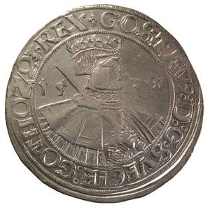 En daler silvermynt  från 1534 som väger 28 gram – Gustav Vasa utan skägg. Skägget anlades 1536. Foto: Kungliga myntkabinettet Stockholm