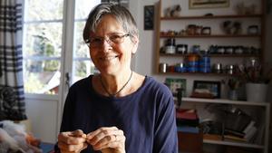 Karin Neuschütz är ordförande i Järna konstnärsförening och själv konstnär.