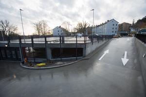Det nya parkeringsdäcket vid Södertälje stadshus.