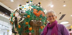 Lena Haapala är styrelsemedlem i föreningen Helga Henschens vänner. På lördag 10 november, klockan 12–14 firas 40-årsjubileet av Helga Henschens offentliga verk, Dafnefontänen, som står i Lunagallerian.