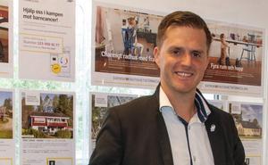 Mikael Björklund, ägare och fastighetsmäklare på Svensk Fastighetsbyrå i Borlänge. Foto: Elin Pärsson