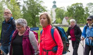 Kristina Bawér från Västerås fick med sig barndoms skolkamraten Pia Johansson, i lilagrå jacka med man från Säter.