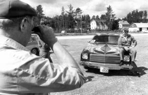 Olle Olssons fint lackade Chevrolet El Camino -75 var en turistattraktion i Åsarna på 70-talet, enligt ett reportage i ÖP. O.E. Granlund från Skövde blev fotat när han fotade mästerverket.