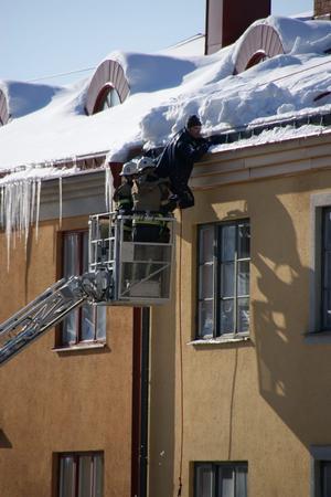 Michael Almebäck blev vittne till den dramatiska räddningsinsatsen på Trädgårdsgatan - och mejlade sen bilderna till na.se.