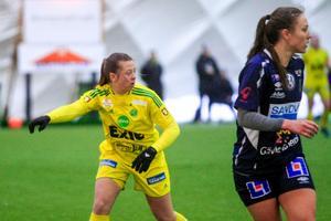Cornelia Kapocs har ett år kvar på kontraktet med Uppsala och kan se fram emot spel i allsvenskan nästa säsong.
