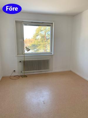 FÖRE: Att sälja en tom lägenhet är inte så lätt. Då syns dessutom varje liten skavank. Foto: Lina Bergroth