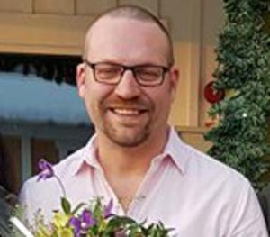 I april fick Lars Nygren ta emot blommor och diplom för årets butik i Säter. Nu har den gått i konkurs. Foto: Amanda Östberg