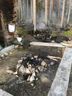 En grillplats som ser ut så här är det inte tillåtet att elda i när det är eldningsförbud. Bild: Räddningstjänsten Medelpad