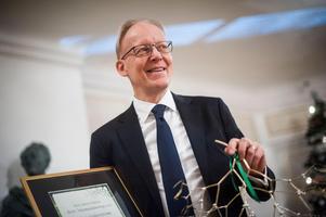Tidigare Ludvikachefen Johan Söderström, som nu hunnit med åtta år som chef för ABB Sverige, får den nya tjänsten som Europa- och Sverigechef för Power Grids.