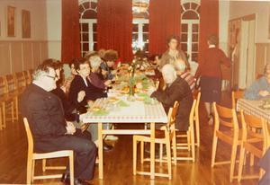 Fest i gavelbyggnaden, någon gång på 70-talet. Bild: privat