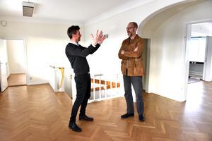 Christer Persson och Michael Rocking diskuterar den hypotetiska skolan.