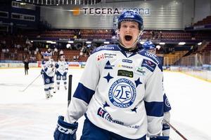 Lucas Nordsäter trivs att spela inför hemmaklacken – och känner gåshud varje match i Tegera Arena. Foto: Daniel Eriksson/Bildbyrån.
