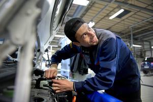 Inom motor- och transportbranchen finns det gott om jobb för nyutbildade.