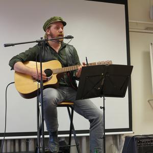 Musikern Andreas Nilsson framförde sitt Dan Andersson-nummer. Mycket uppskattat och ett fantastiskt uppträdande.