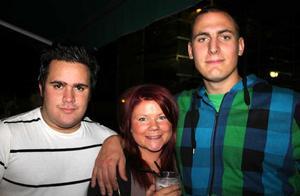 Blue Moon Bar. Andreas, Fia och Oden