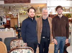 Far och söner är några av dem som driver Dalarnas Auktionsbyrå.