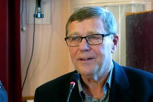 Oppositionsrådet Rolf Lilja och Socialdemokraterna vill att kommunen stödjer de som sägs upp från Andritz Hydro.
