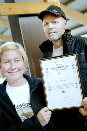 Pia och Erik Sedvall kunde stolt ta emot utmärkelsen