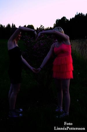 En bild på mig och min älskade vän på den ljuva sommar kvällen.