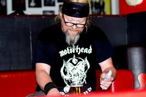 Lasse Holmgren, bokningsansvarig på Club Rockers.