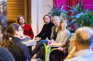 Ett av Hälsinglands större teaterprojekt håller på att sättas upp av Cia Ohlsson och Ulrika Beijer som tar hjälp av bland andra scenograf Sofie Knapp och kostymör Tini Warg.