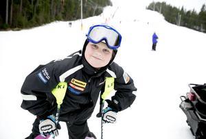 Johnatan Öjerteg, IFK Borlänge Alpin, vann guld i slalom i Special Olympics som avgjordes i Österrike. Bilden togs i Nybrobacken i mars 2015.