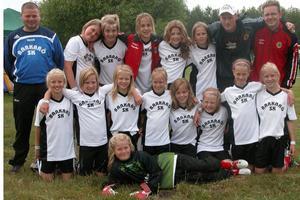 Nöjda. Tjejerna från Barkarö SK, F96, från Västerås var mer än nöjda med fotbollshelgen.