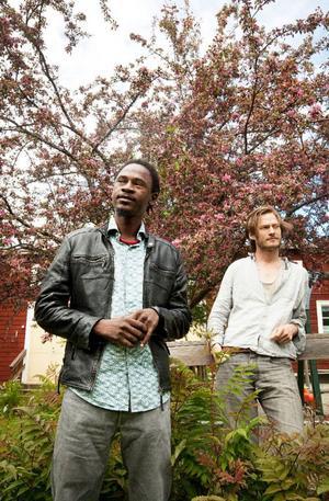 MC Talka Touré är känd rappare i Mali och han befinner sig just nu i Östersund för att vara med på en stödkonsert för Mali i föreningshuset i Ås på lördag. Bengt-Anton Runsten ska också vara med och uppträda under kvällen. Alla pengar som samlas in går till ett vattenprojekt som Sweden Mali Voices driver och som syftar till att bybor ska få nya vattenpumpar.