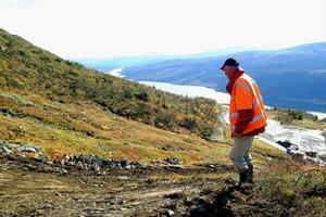 Skidsäsongen kommer att börja senare och sluta tidigare, spår väderforskarna på SMHI. Nalle Hansson på Skistar i Åre hoppas att klimatförändringen kan gynna Åre som skiddestination i konkurrensen med alperna. På bilden inspekterar han det som senare skulle bli nya Olympiabacken i Åre.