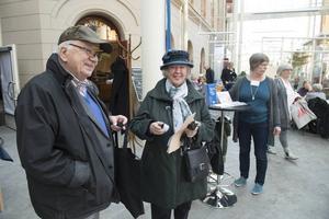 Inga-Britt och Nils Backlund från Sundsvall fick reflex av Helen Otterström Trygga Sundsvall, Sundsvalls kommun.