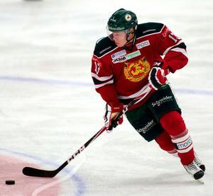 Daniel Viksten tände till i den sista perioden och gjorde två mål inom loppet av en dryg minut.