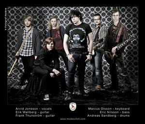 På fredag har albumaktuella Mozkovitch releaseparty på arenan och på lördag spelar de på Seasidefestivalen.