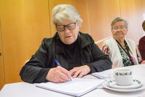 Raija Toivanen skriver ner sina minnen från sin första tid i Sverige.