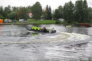 Det erbjöds turer ut på Hammerdalssjön med en båt, en Super Tornado, som enligt mässarrangörerna har 70 knop som topphastighet. Det motsvarar 130 kilometer i timmen.