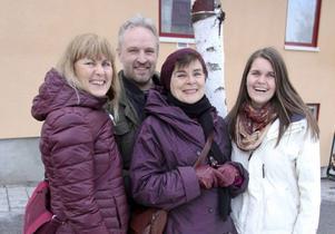 De tre senaste åren har ett antal meditationslärare runt Östersund drivit ett ideellt projekt, Vinterfest för själen. Under 21 kvällar i följd har tio olika ledare från olika traditioner undervisat i olika meditationstekniker för att sprida kunskapen. De har under åren samlat in en summa pengar och vill nu göra något så unikt som att ge dem till en skola/skolledare som vill satsa på metoden