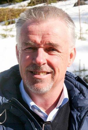 Nils-Åke Hallström, Hallströms verkstäder.