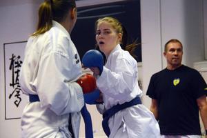 Sundsvalls Sportkarates Lisa Rasmusson är regerande mästare. När SM arrangeras på hemmaplan är målet givet.