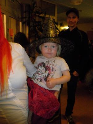 Signe Halvarsson hade kul på halloweendiscot.