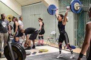 Spänst, kraft och koordination är tre viktiga egenskaper inom tyngdlyftningen.