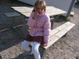 Fundersamt. Julia Stech på sin första skoldagen i Knåda skola.