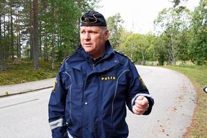 Lars Fredin har hand om djurärenden som handlar om statens vilt, till exempel varg och björn.