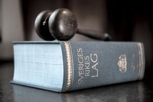 Vad händer när politikerna överlämnar makt till domstolar?