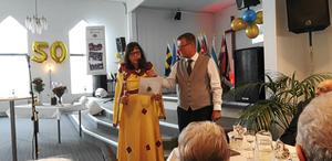 Missionsledaren Göran Duveskog intervjuar masajmissionären Anita Johansson Osseen.