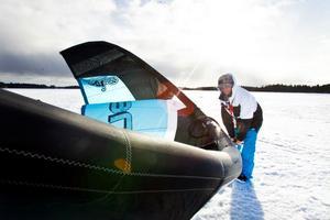 Kitesurfaren Emil Gustafsson letar alltid efter de perfekta vindarna.