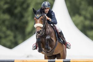Niklas Jonsson red sin första SM-final med Strömsholmslaget för 31 år sedan. Ifjol ingick han i guldlaget och i år rider han hästen Cathy i laget.