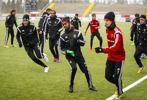 Ammar Ahmed har inte spelat en minut av ÖFK:s sex matcher i Superettan. Nu är han aktuell för spel igen när ÖFK möter Landskrona i dag. 25-åringen är spelsugen – men hur mycket speltid får han? Och vem petar han?