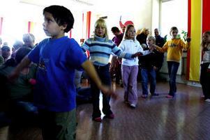 Alirio Pargéus och de andra barnen på Kullerbyttans förskola dansade när