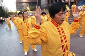 I dag, på den internationella dagen för mänskliga rättigheter, bör Kinas brott mot bland andra Falun gong-anhängare uppmärksammas, skriver insändarskribenten. Foto: AP Photo/Erin Lubin