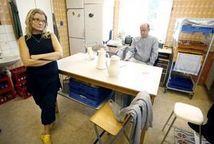Kerstin Rask-Nilsson, församlingsassistent, och Jan-Erik Isaksson, kyrkoherde, fanns på plats för att möta chockade och sörjande i församlingshemmet i Hedesunda.